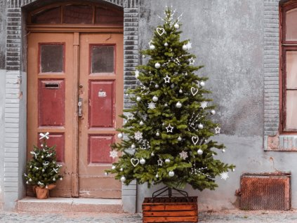 Vánoční stromek ozdobený LADOVSKÁ ZIMA