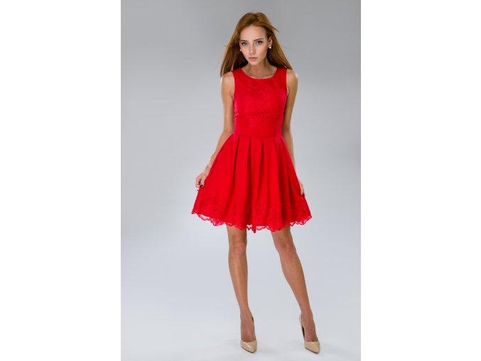 Scarlet červené