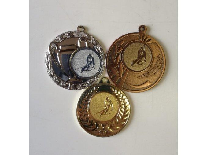 Medaile set, emblém sjezdové lyžování