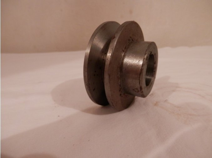 Remenica na elektromotor M 100 oska 19 mm