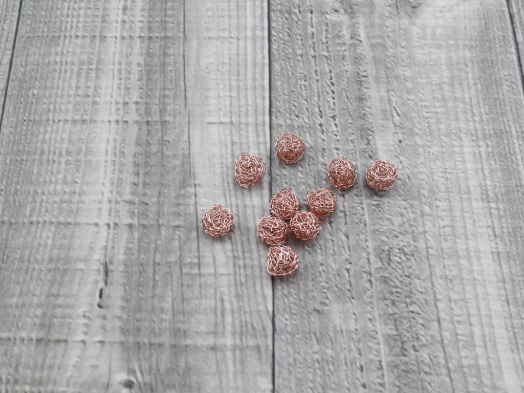 Drátkové kouličky vlnité růže 20