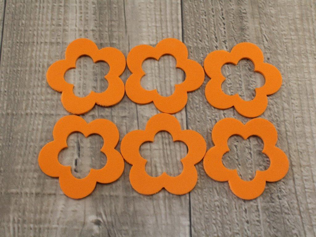 Květy pěna oranžové