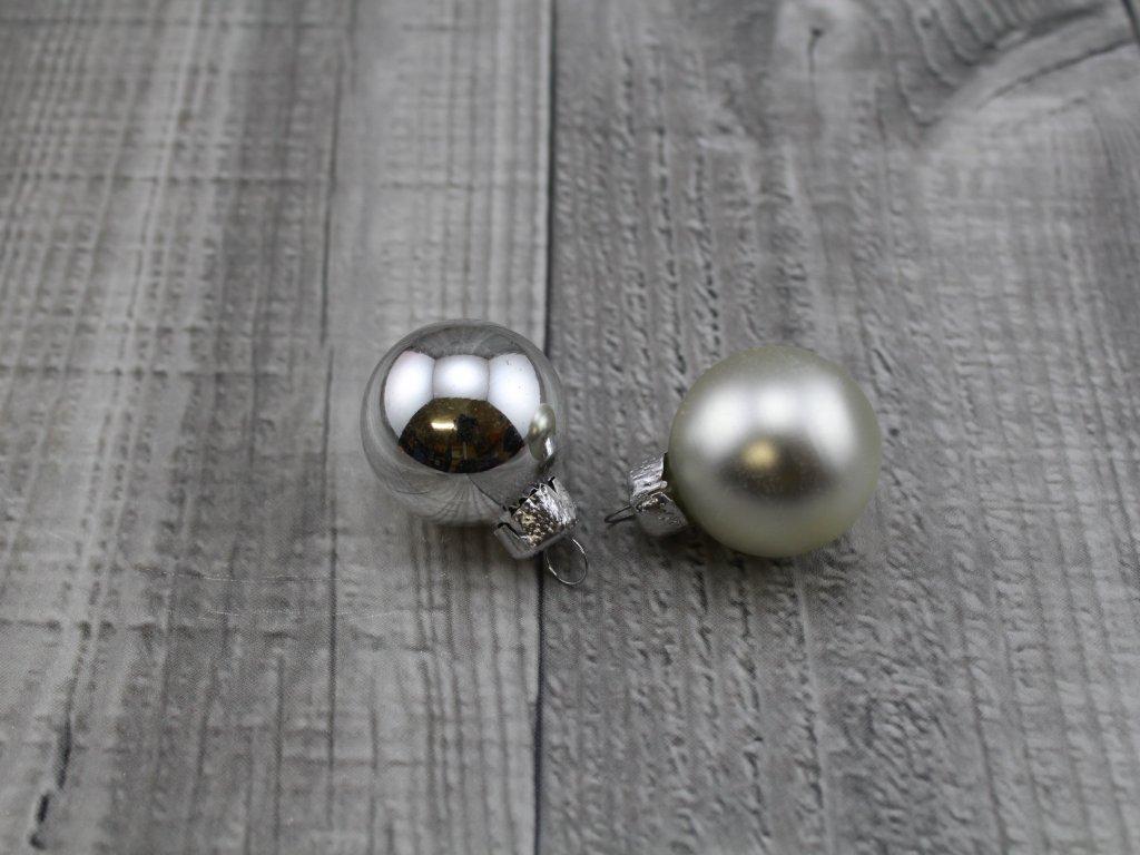 Skleněné kouličky závěsné-stříbrná