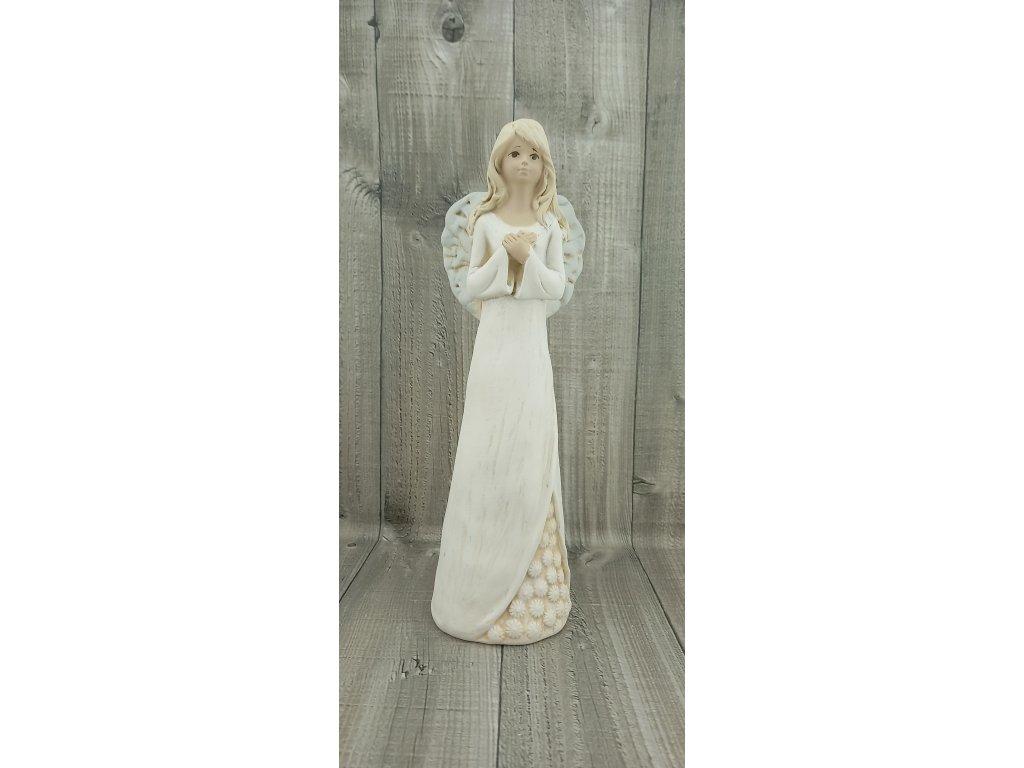 Anděl s květovanou sukní