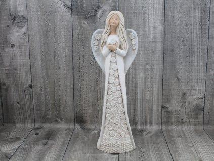 Anděl s květy
