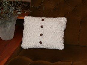 Polštářek pletený bílý s knoflíky