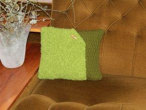 Polštářek pletený zelený s knoflíkem