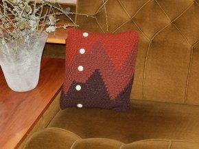 Polštářek pletený tříbarevný s knoflíky