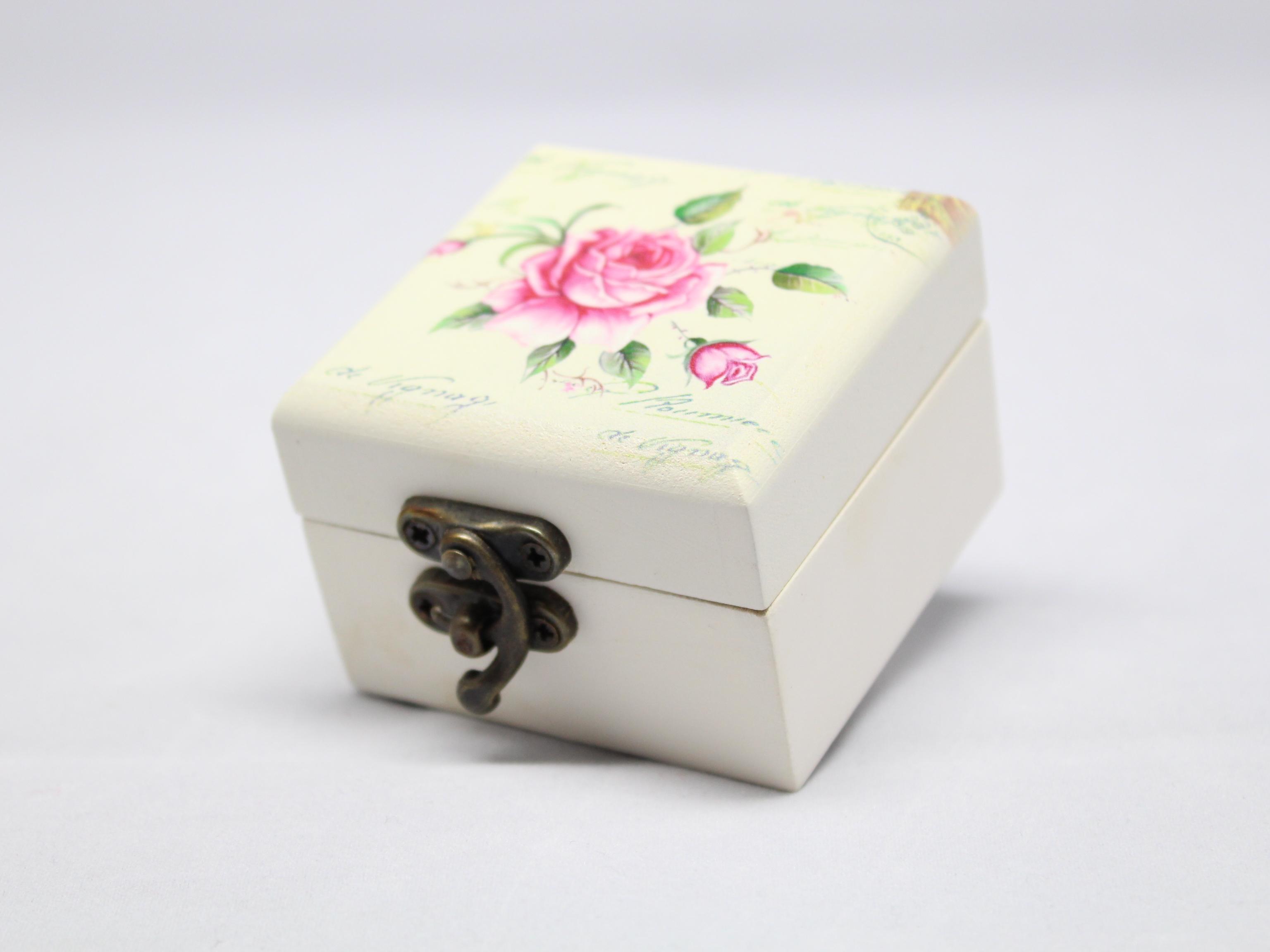 Šperkovnice malá růže