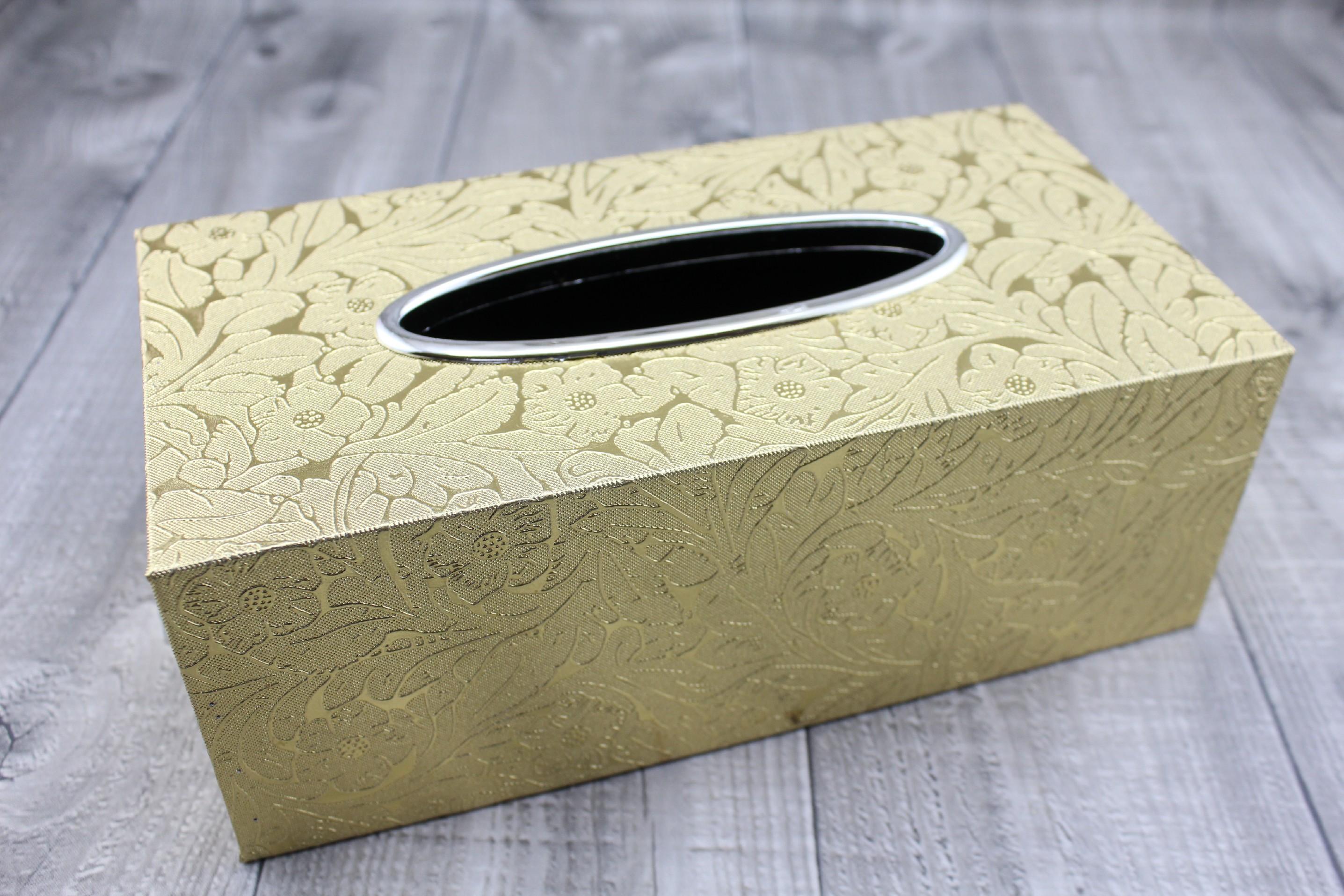Krabice na kapesníky-zlatá, ornament počet kusů: včetně kapesníčků