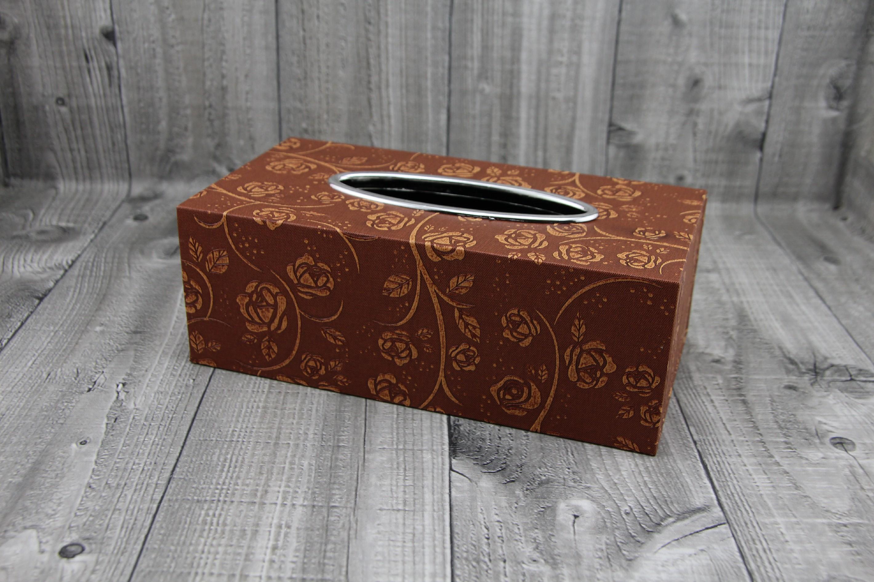 Krabice na kapesníky-hnědá růžičky počet kusů: včetně kapesníčků