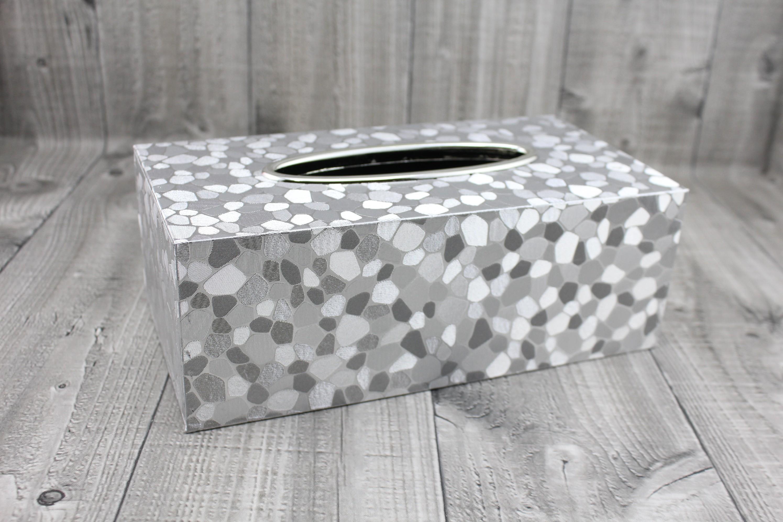 Krabice na kapesníky-stříbrná,oblázky počet kusů: včetně kapesníčků