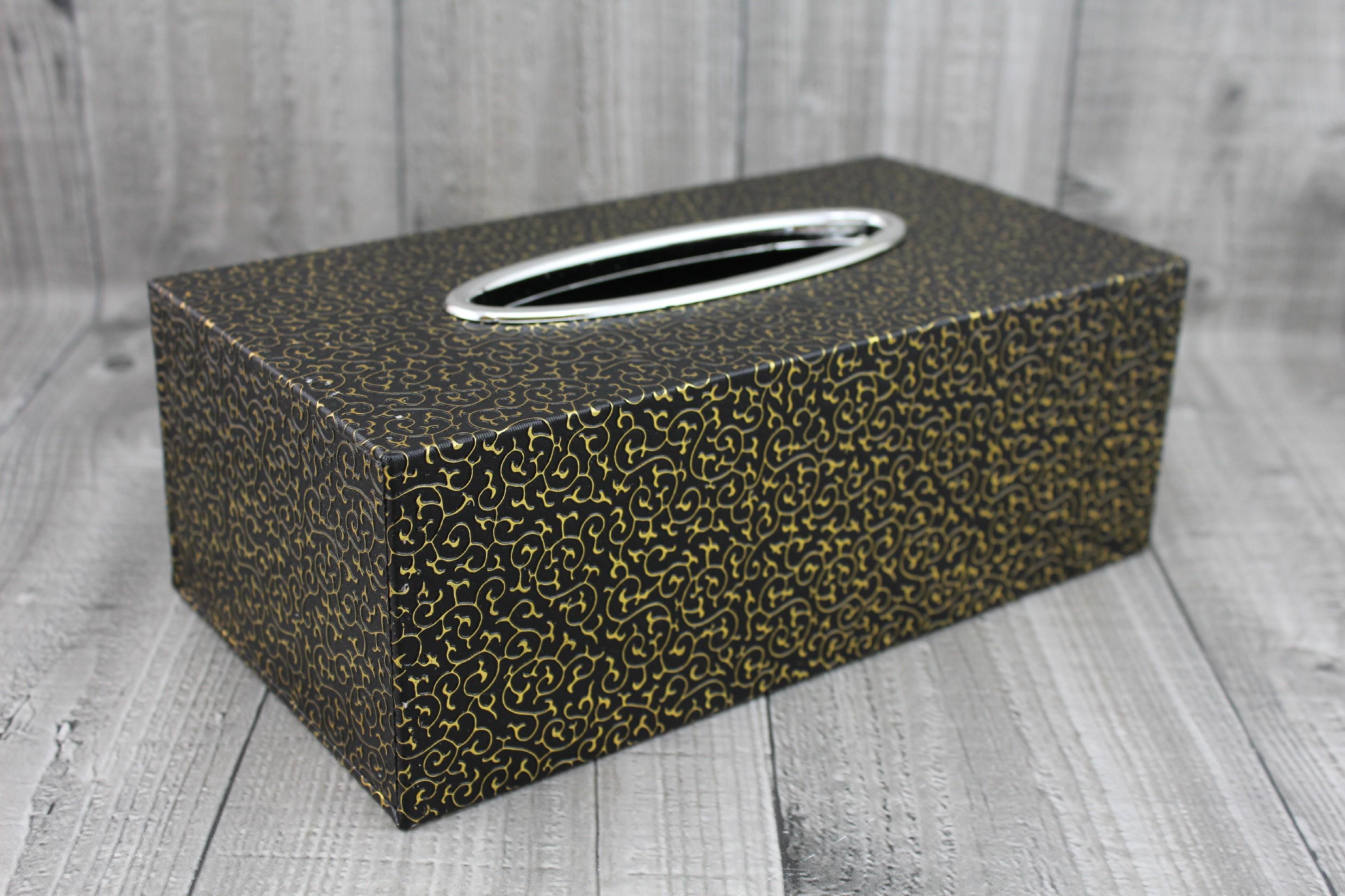 Krabice na kapesníky-černozlatá počet kusů: včetně kapesníčků