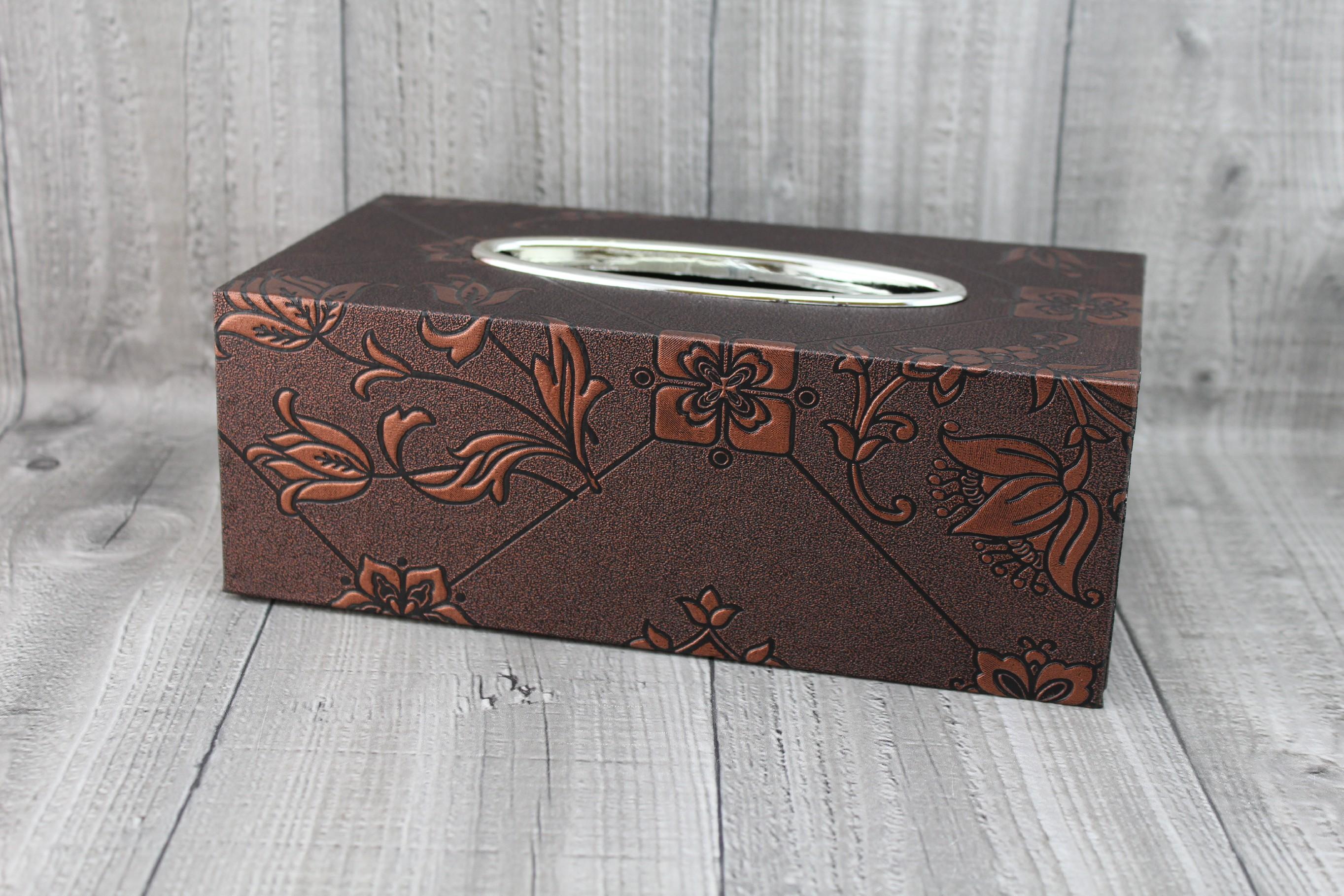 Krabice na kapesníky-hnědá, lilie počet kusů: včetně kapesníčků