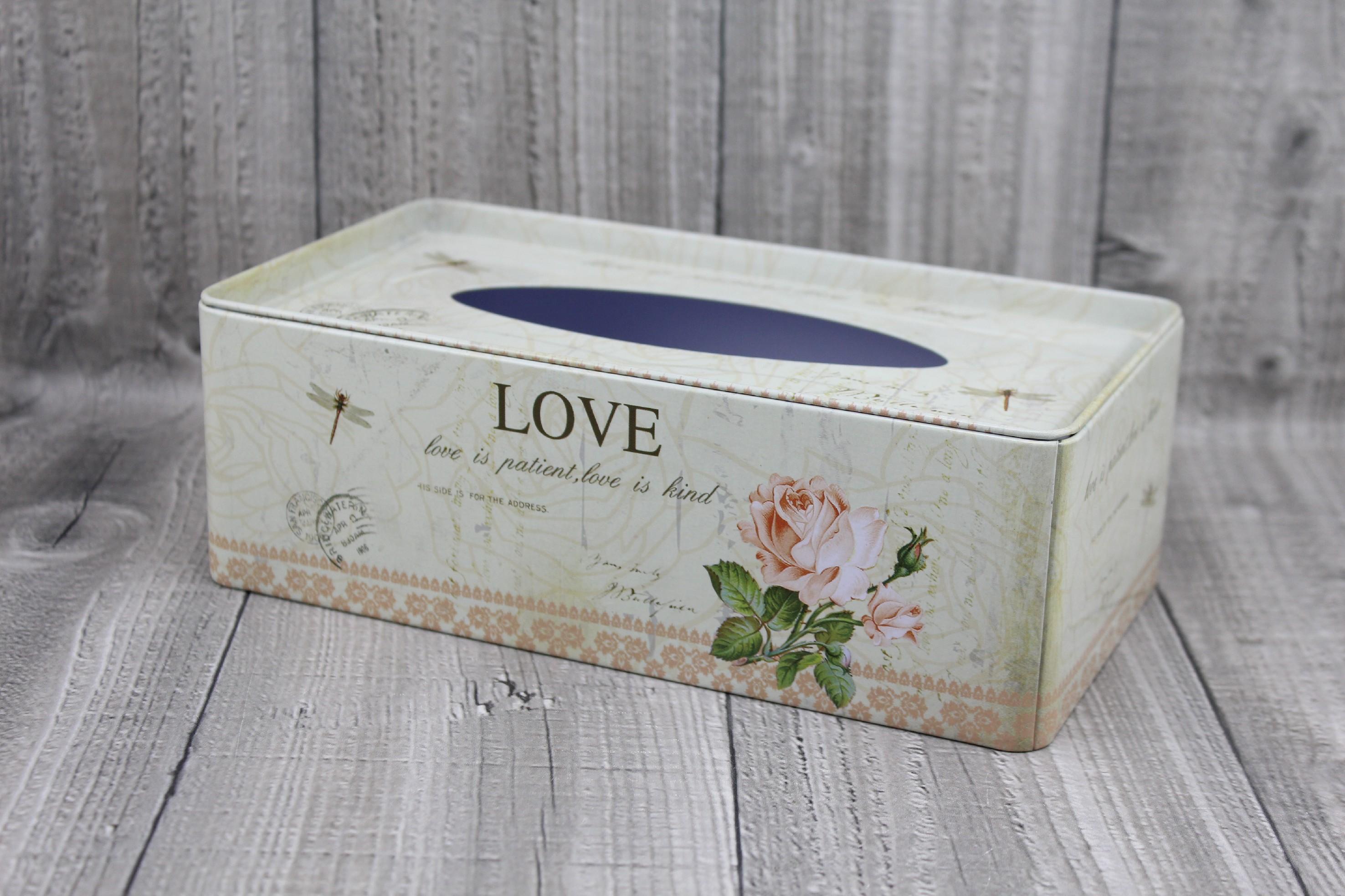 Krabice na kapesníky-LOVE počet kusů: včetně kapesníčků