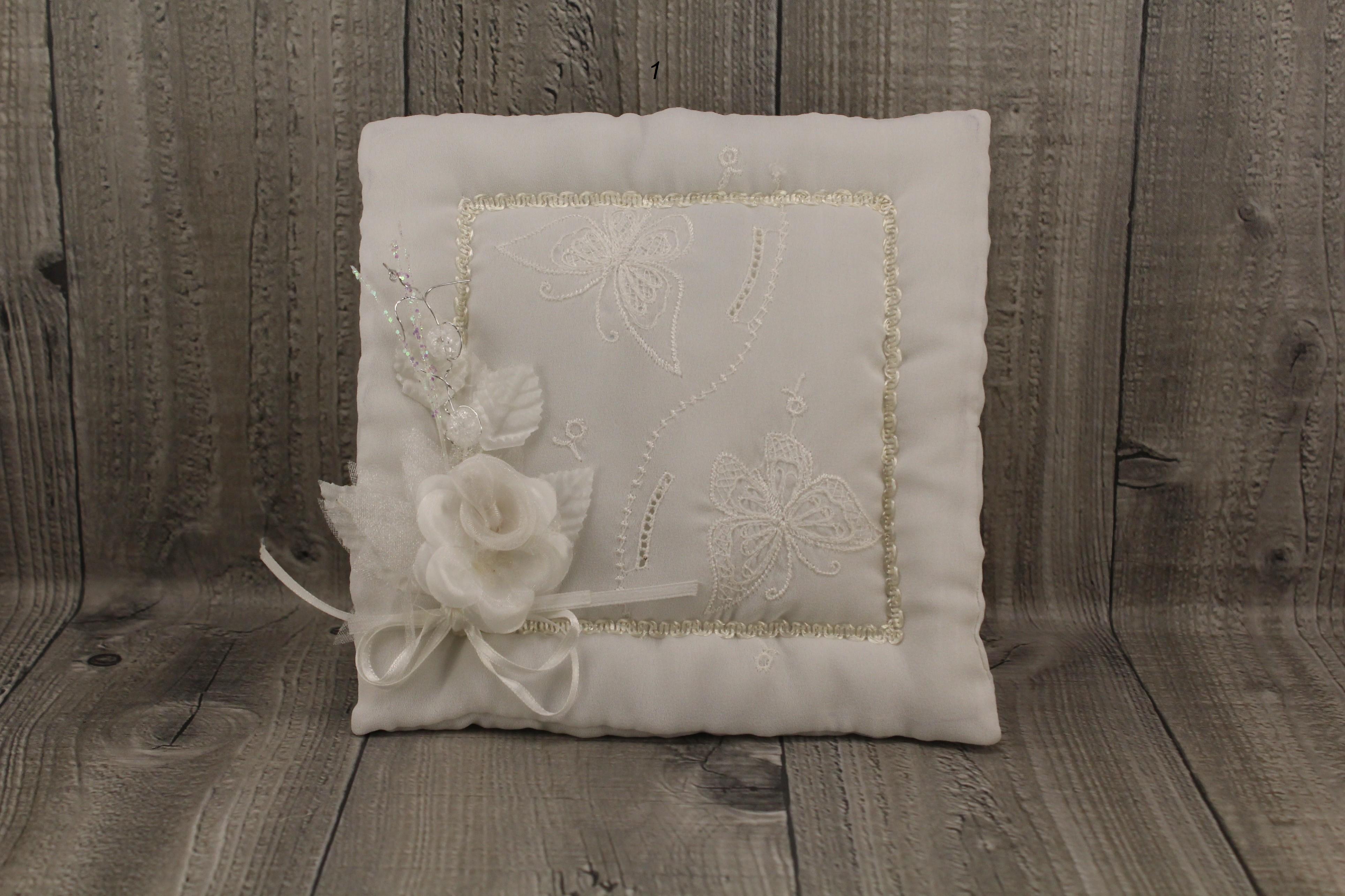 Svatební polštářek bílý Číslo: 1