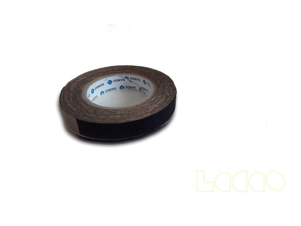 Samolepící filc tl. 1 mm na ochranu trupu ve styku s křídly a VOP
