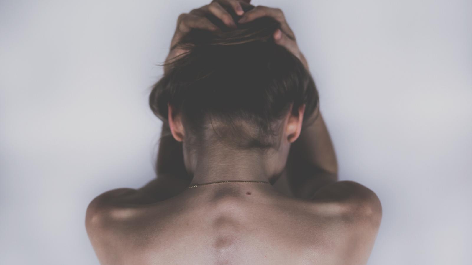 Přírodní masti a oleje na bolest