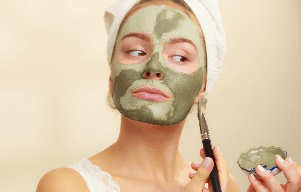 Maska-ze-zeleneho-jilu