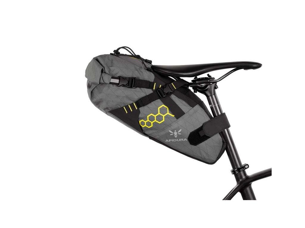 Apidura cyklistická brašna pod sedlo Backcountry saddle pack 11 litrů 1