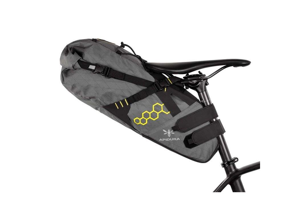 Apidura cyklistická brašna pod sedlo Backcountry saddle pack 14 litrů 1