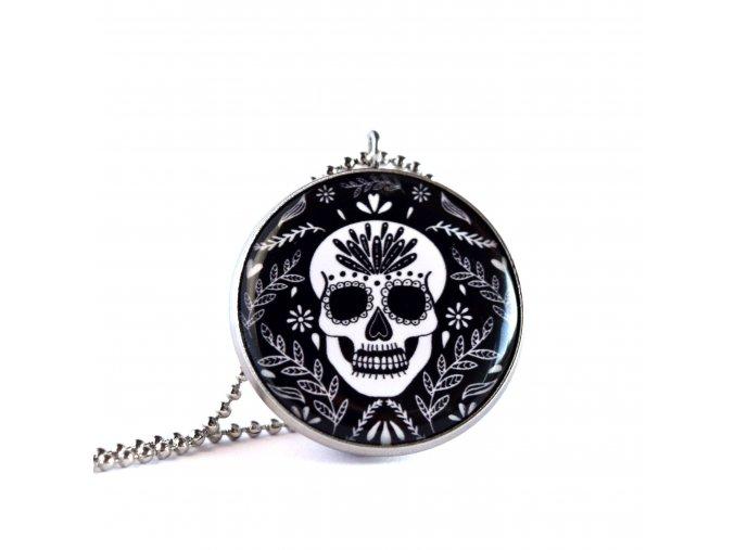náhrdelník s lebkou