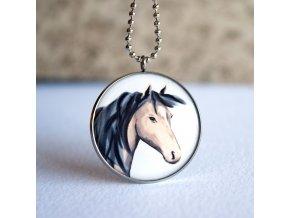 kůň náhrdelník