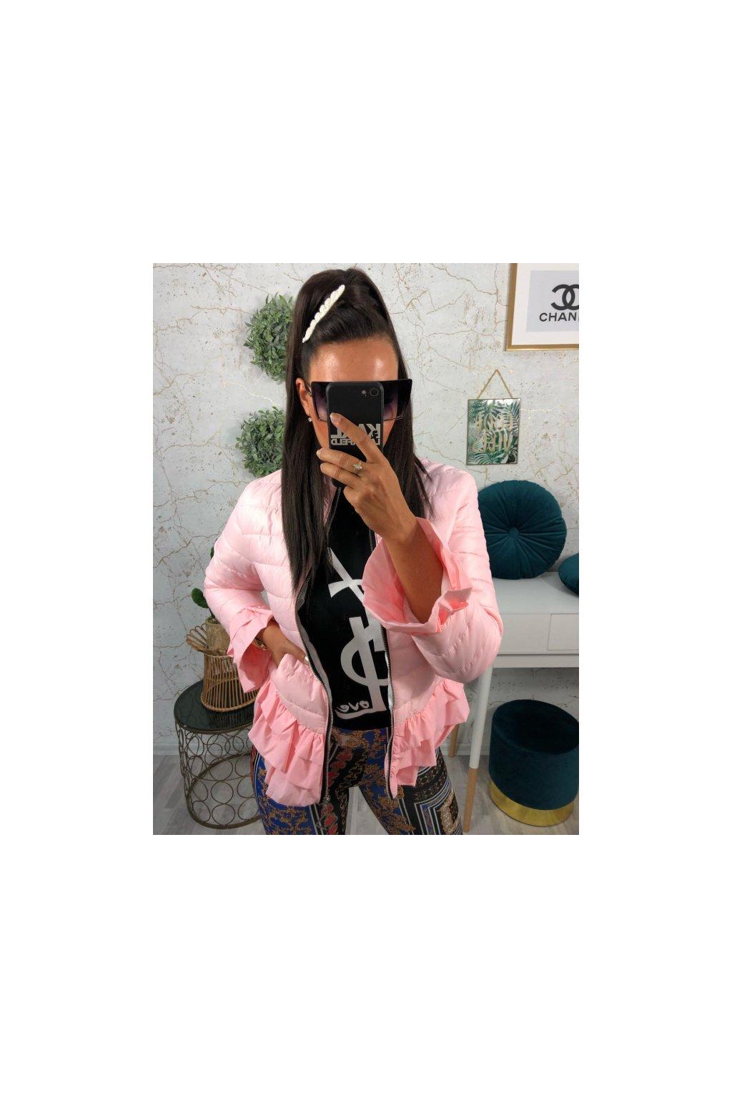 Růžová bundička