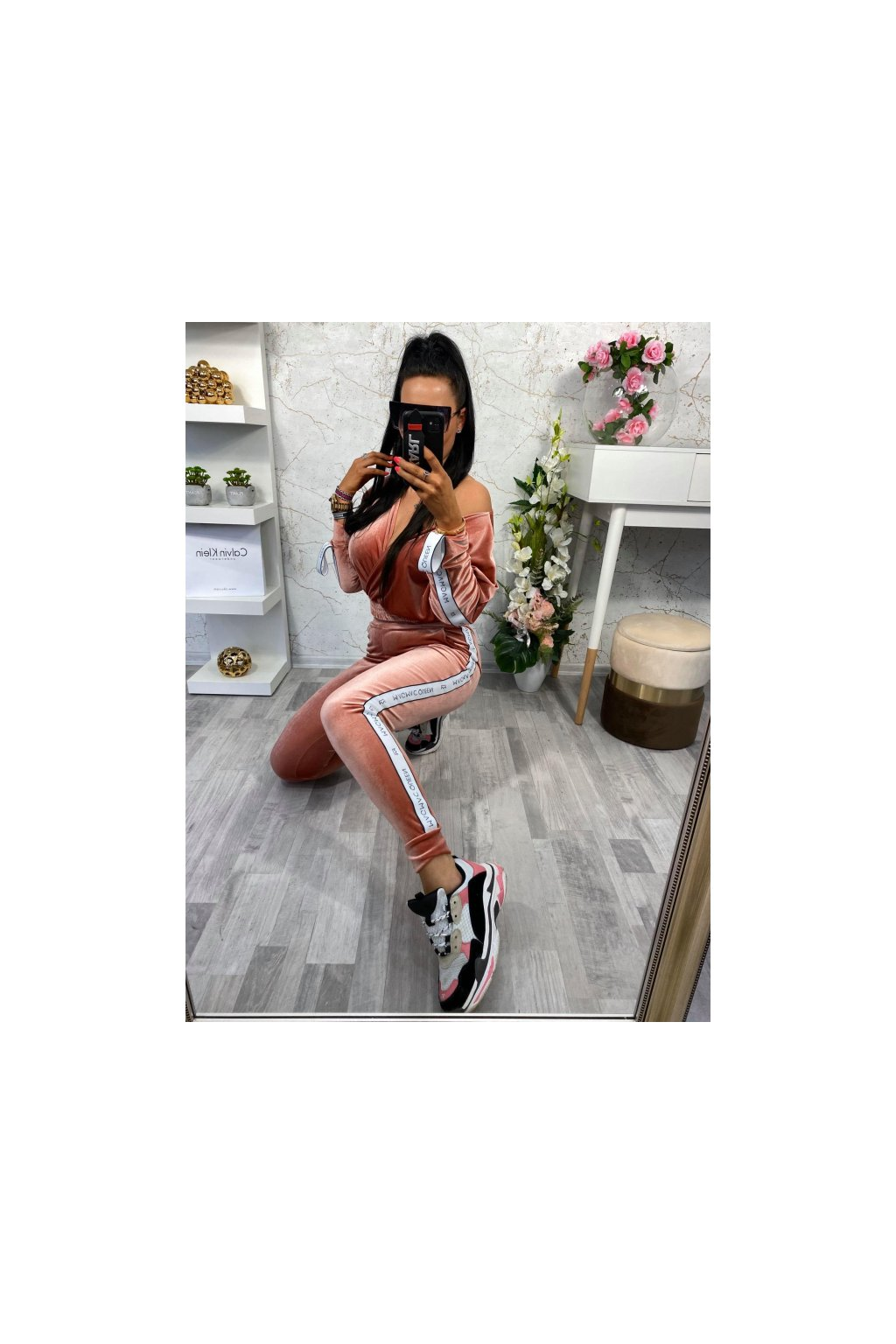 Luxusní VELVET souprava -Pink Queen
