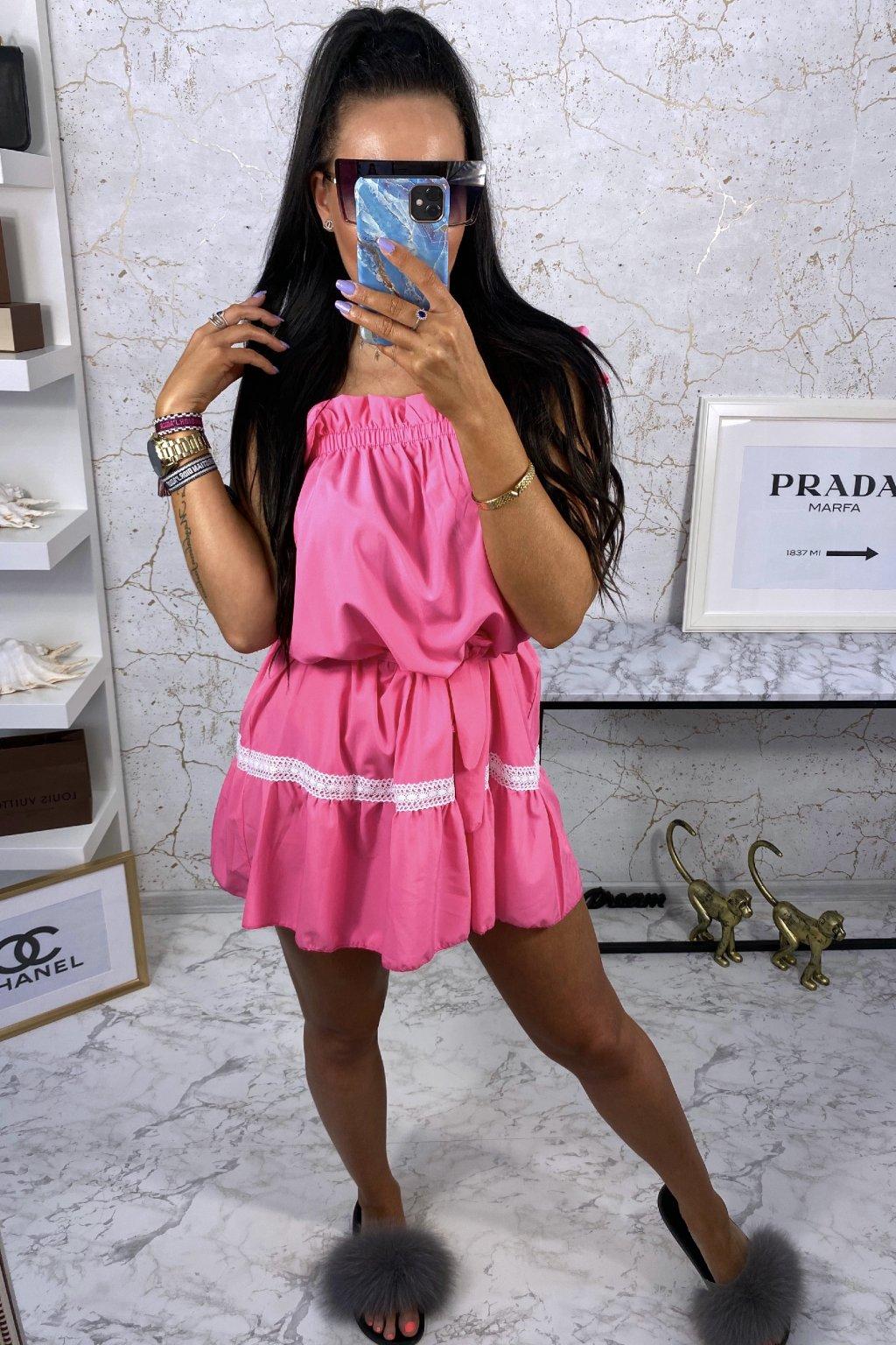 Růžové šaty Ariana