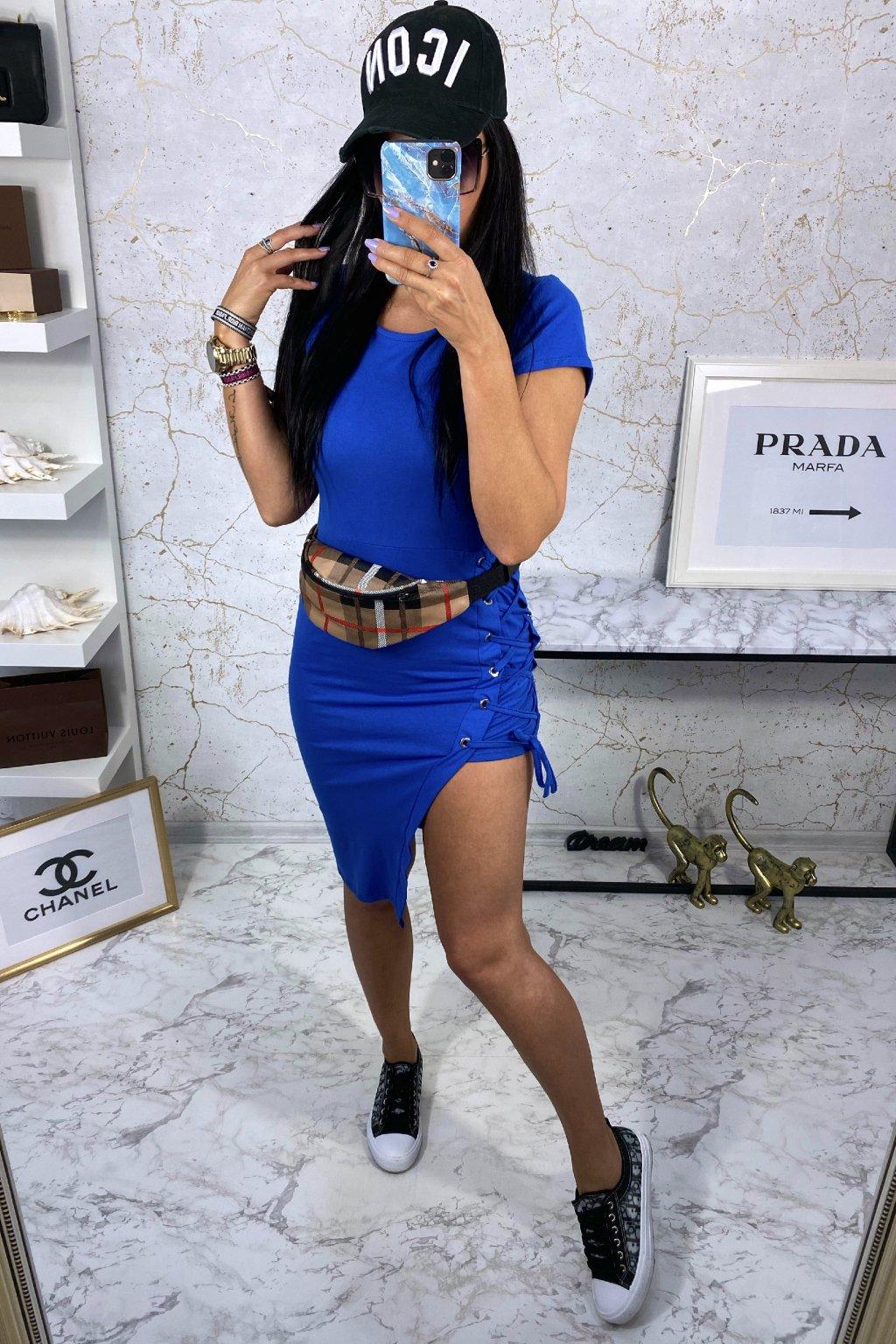 Modré symetrické šaty na šněrování