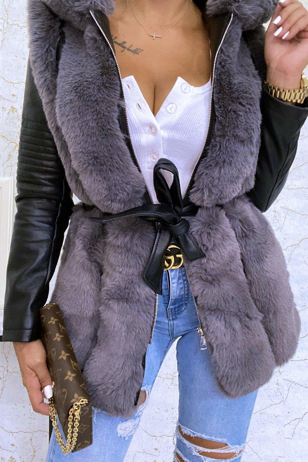 Černo-šedý kožešinový kabát