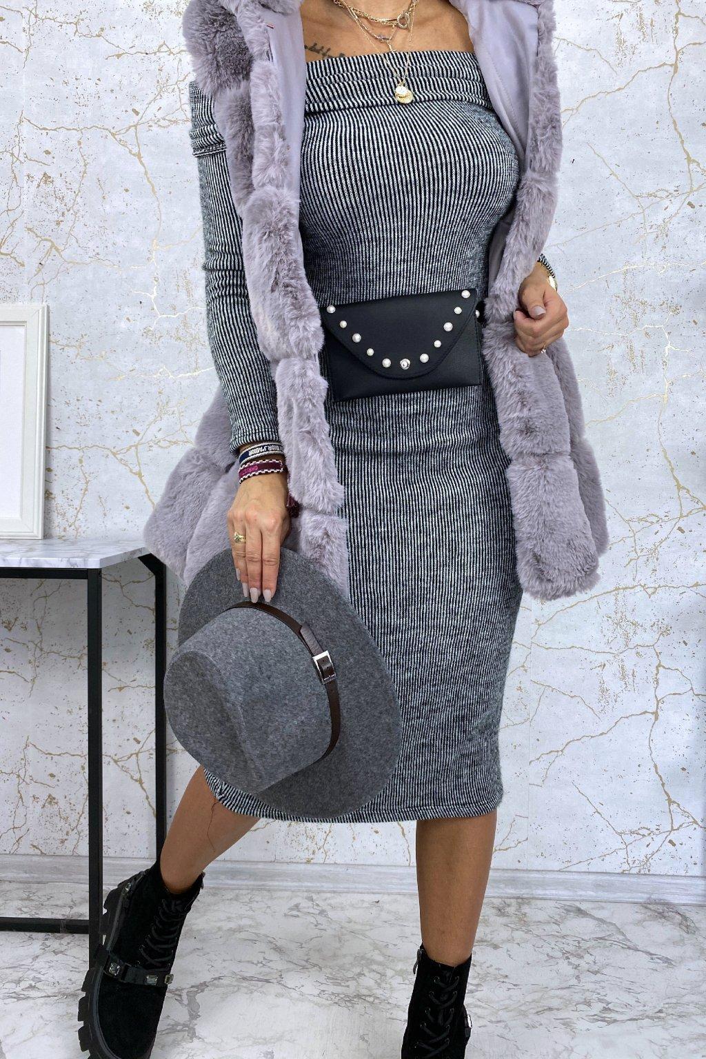 Kožešinová vesta s kapucí v šedé barvě