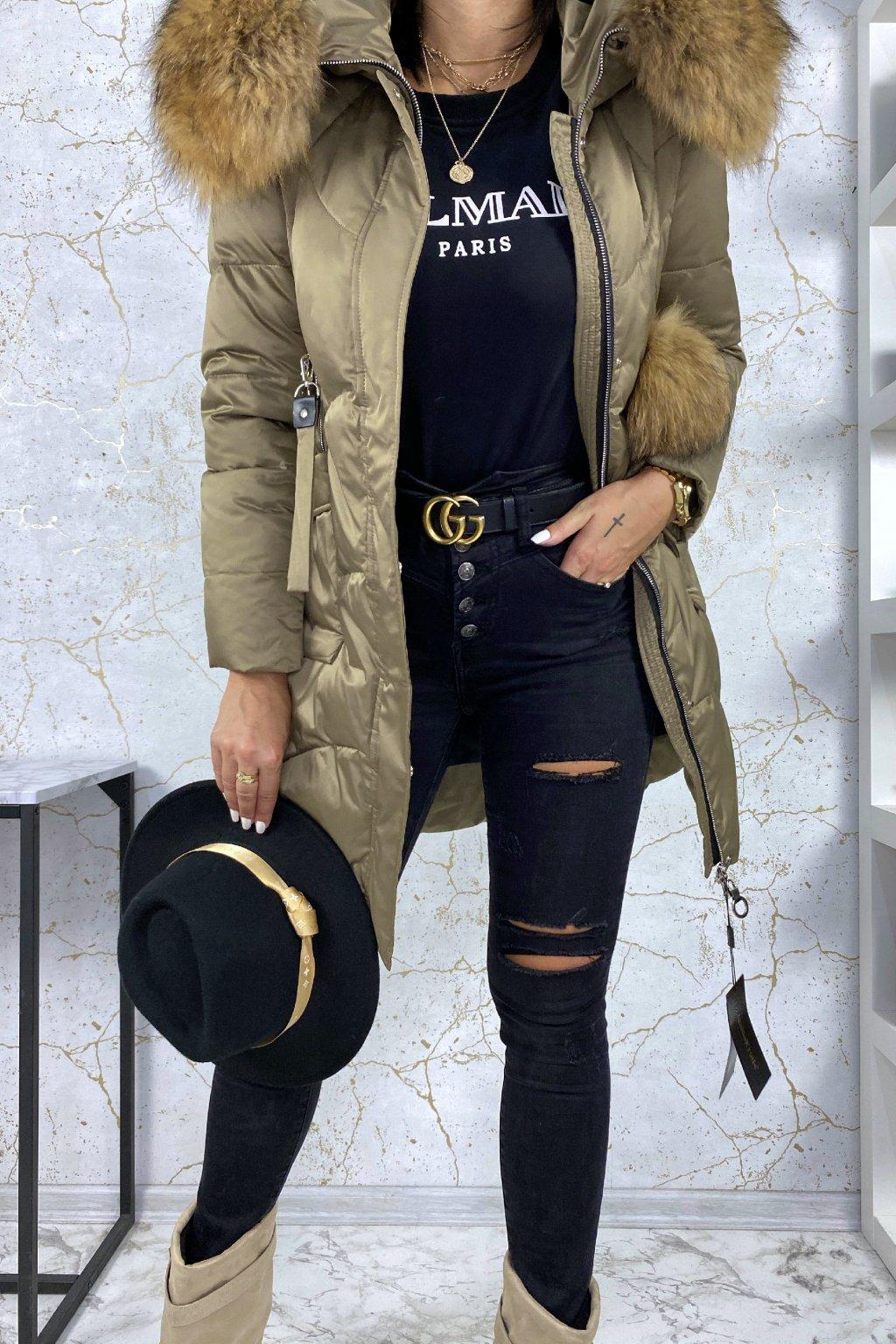 Khaki péřová bunda s pravou kožešinou