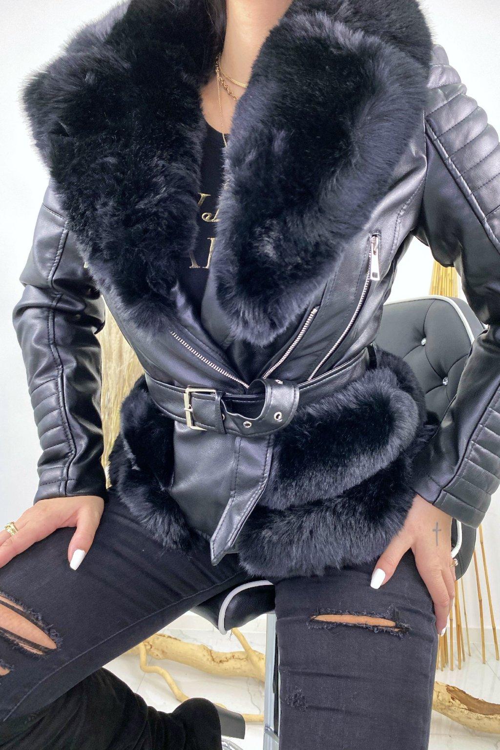 Černý zateplený křivák s kožešinou - Selena