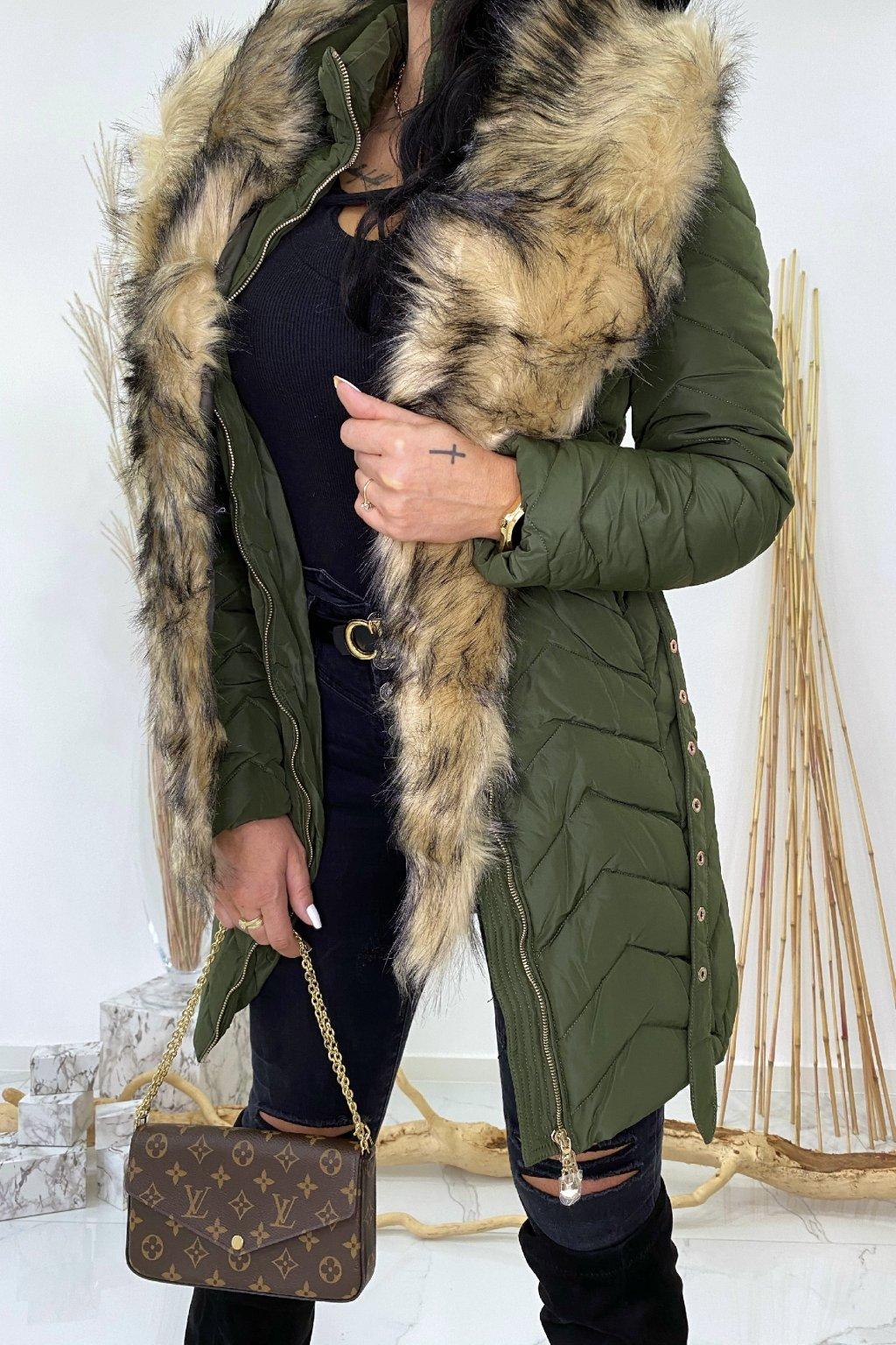 Khaki zimní bunda s páskem a kožešinou - Mia