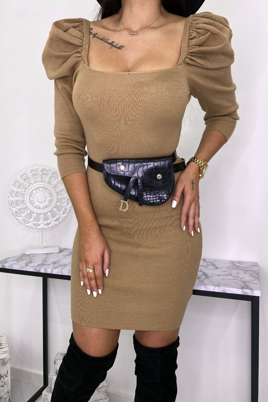 Béžové svetříkové šaty - Chloe