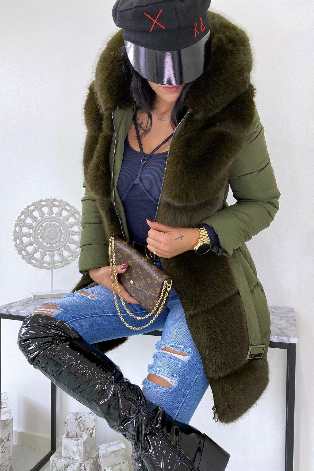 Khaki zimní bunda s kožešinou - Winter