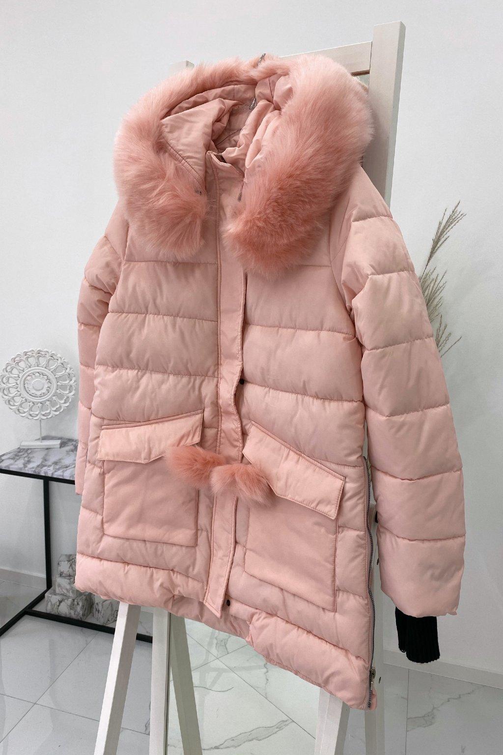 Zimní růžová bunda s kožešinou