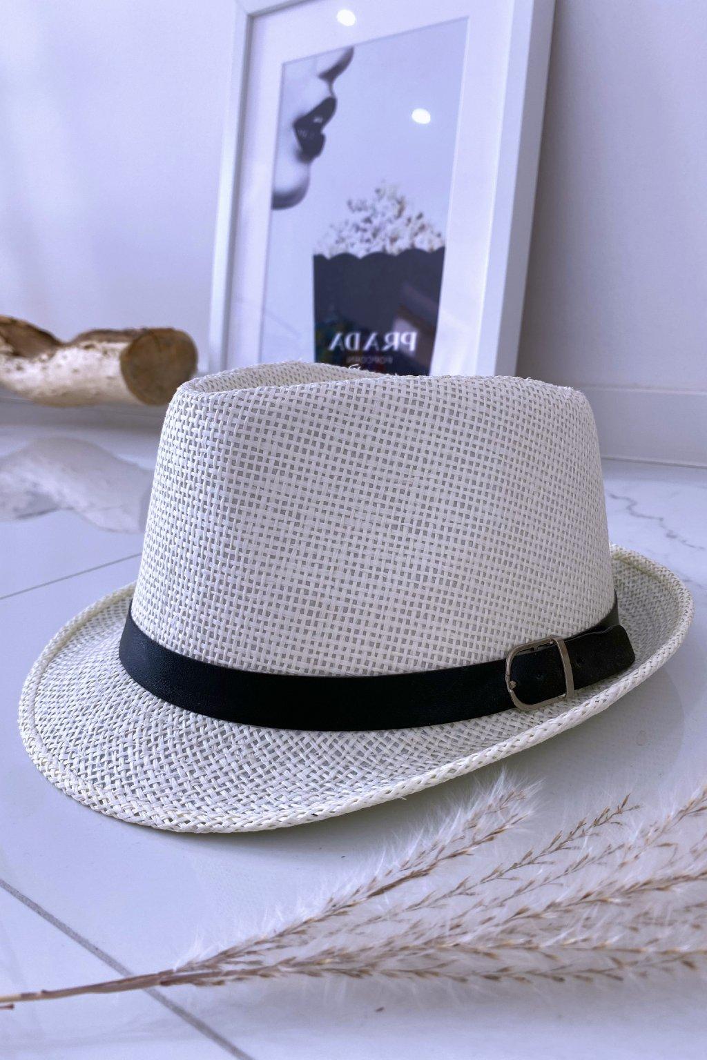 Krémový klobouk s páskem