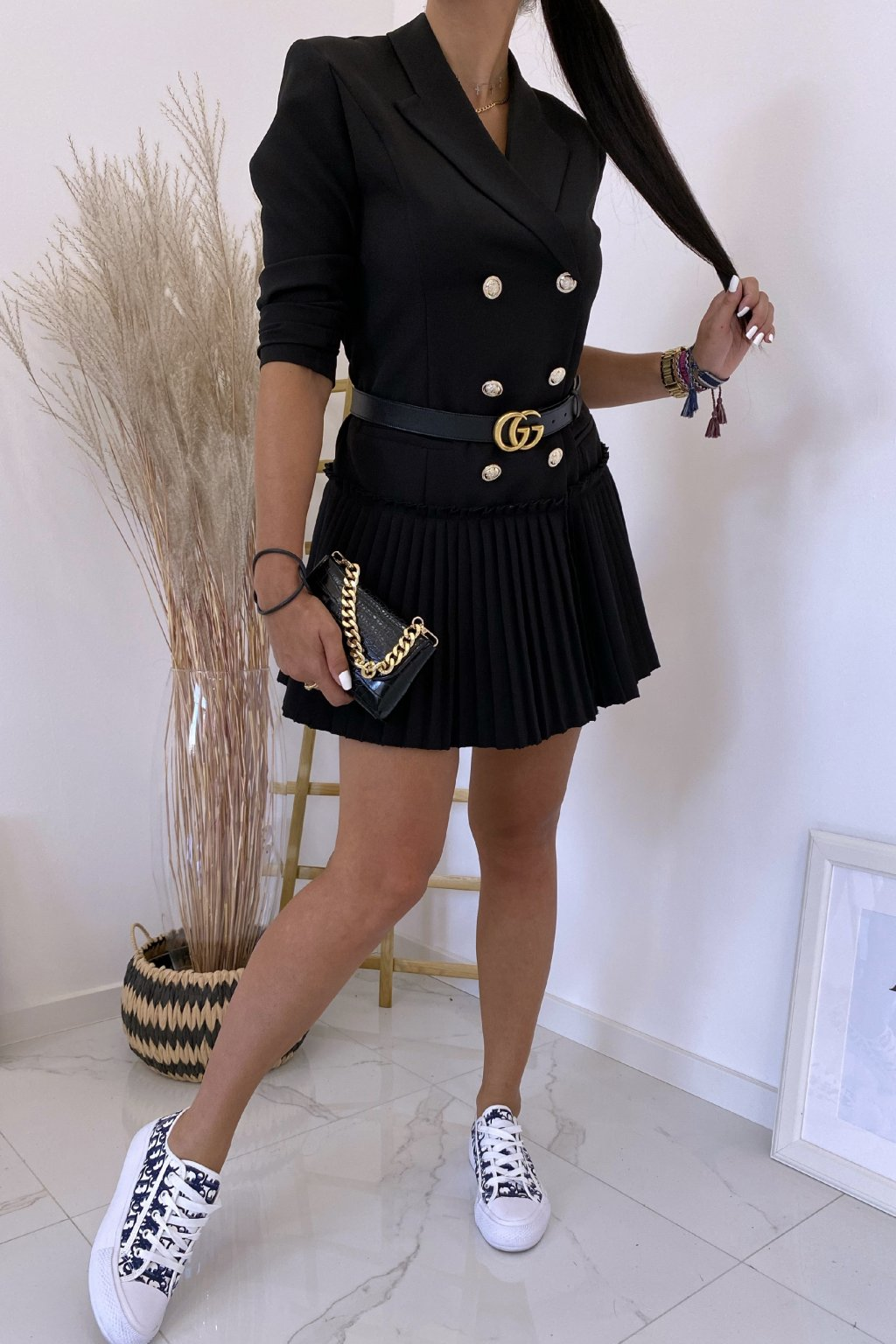 Černé šaty LaDiore