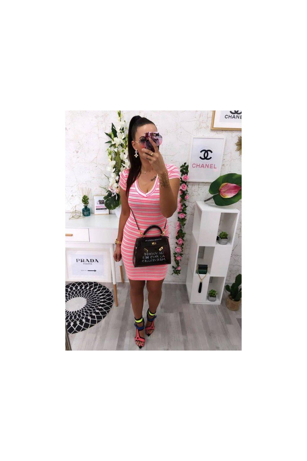 Pruhované šaty růžové