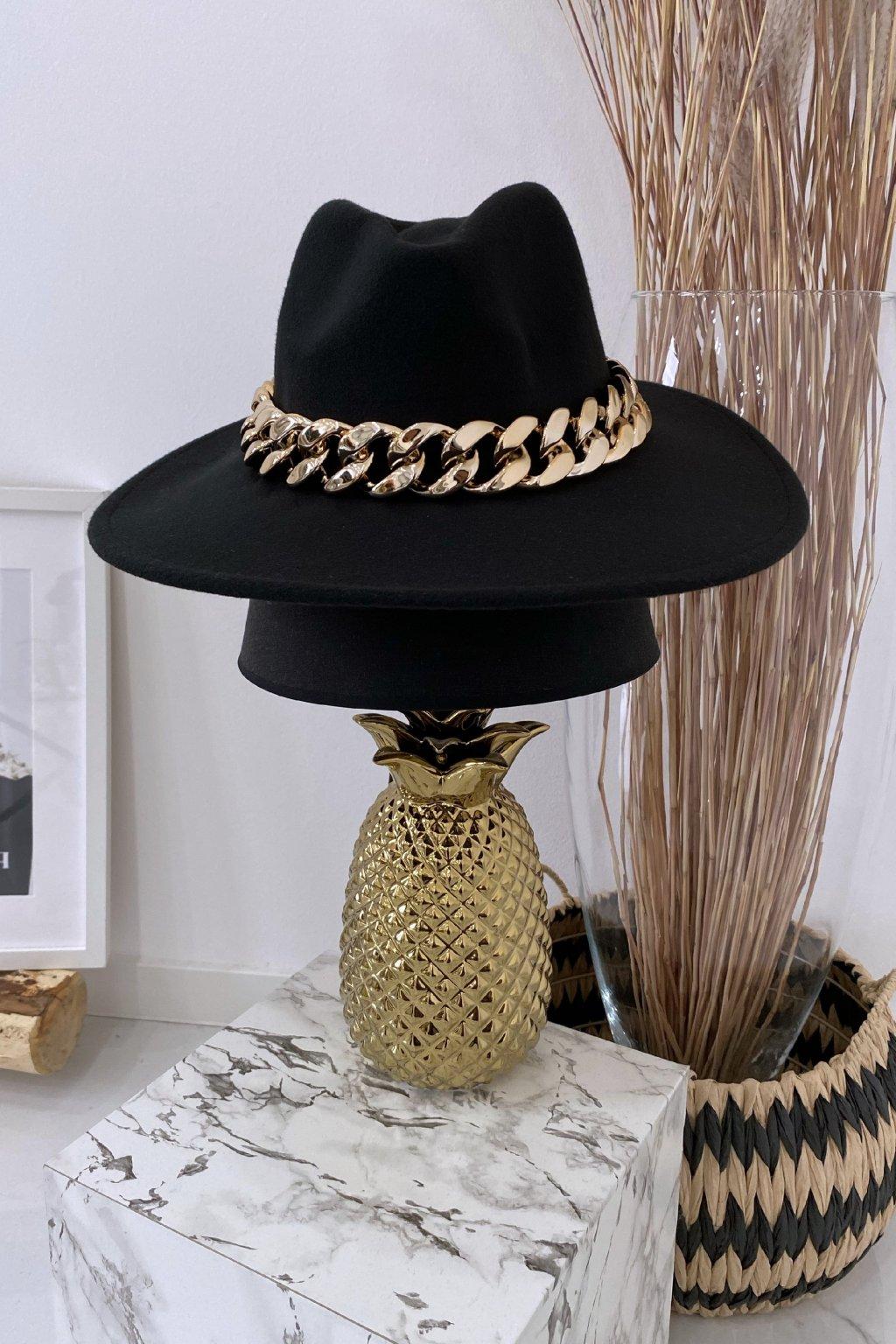 Černý klobouk Gold Max