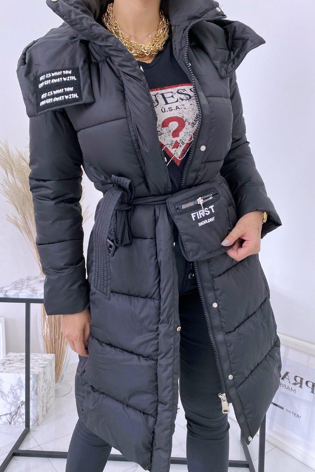 Černá zimní bunda First s opaskem