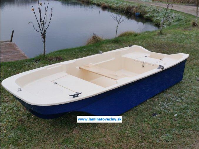 Trimaran 280  malý čln pre voľný čas a rybolov