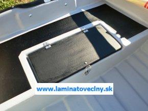 Box na batériu na korme člnu