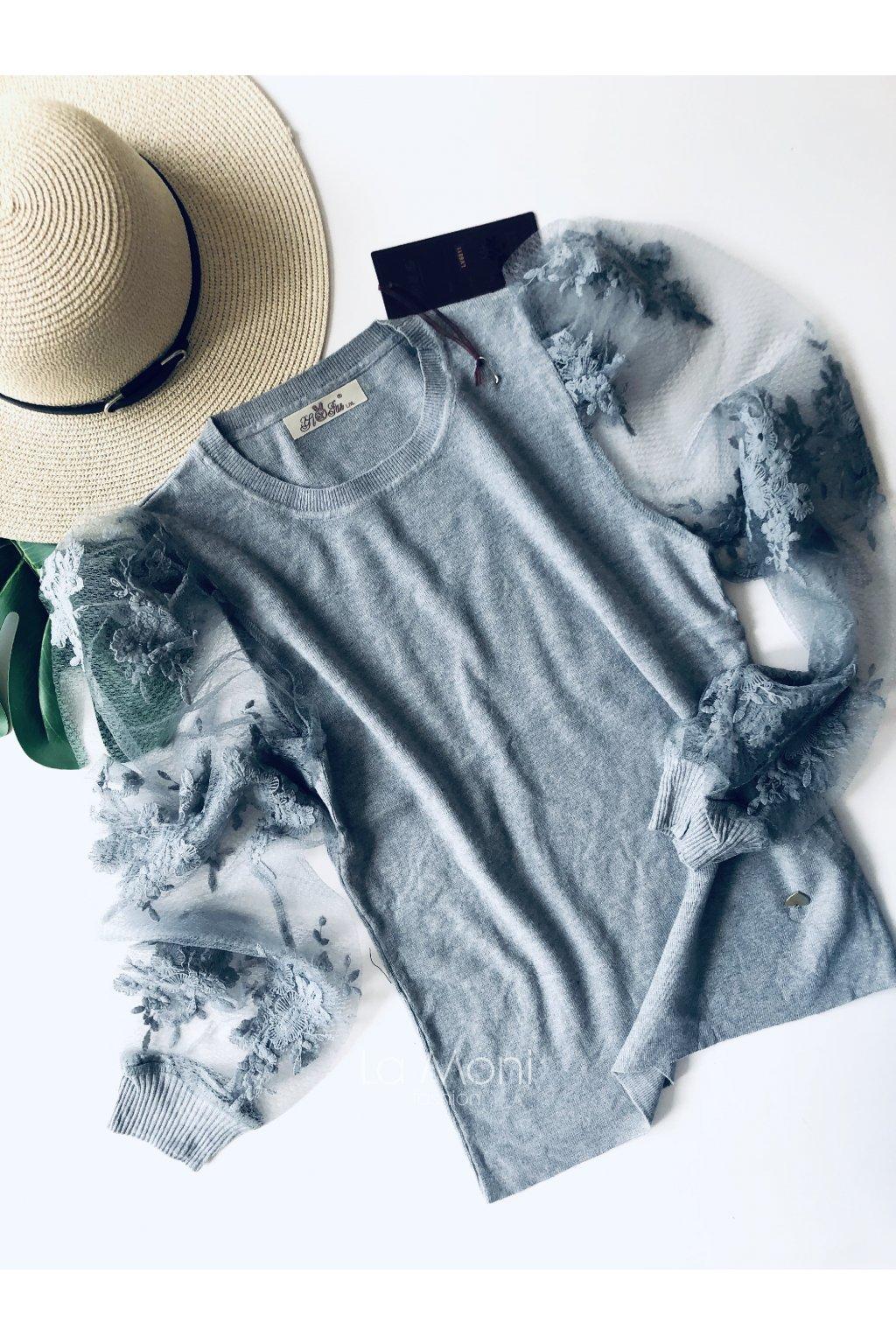 Heboučký svetřík s krajkovými  i rukávy