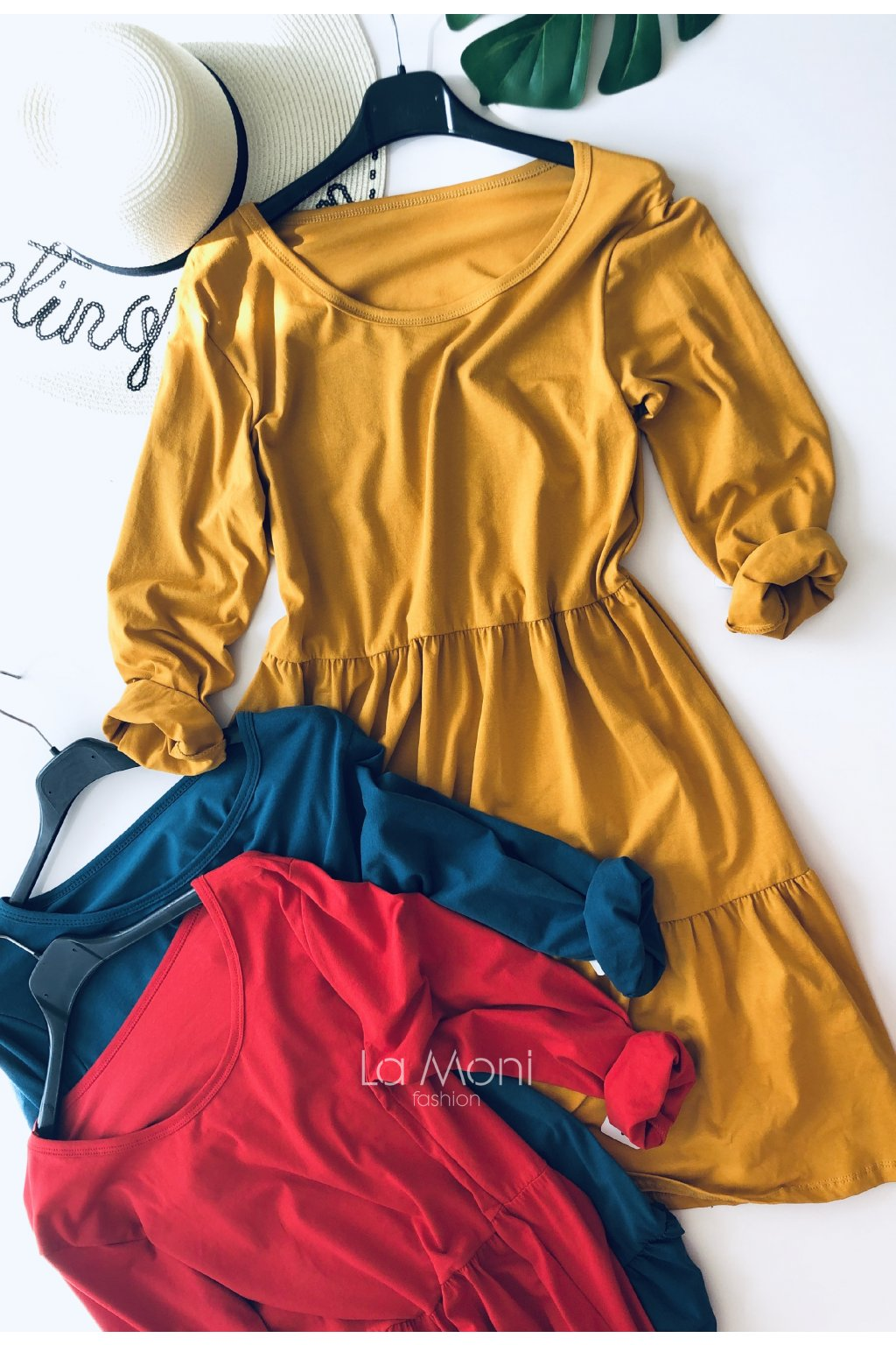 Úpletové šaty s nařasenou sukní dl. rukáv
