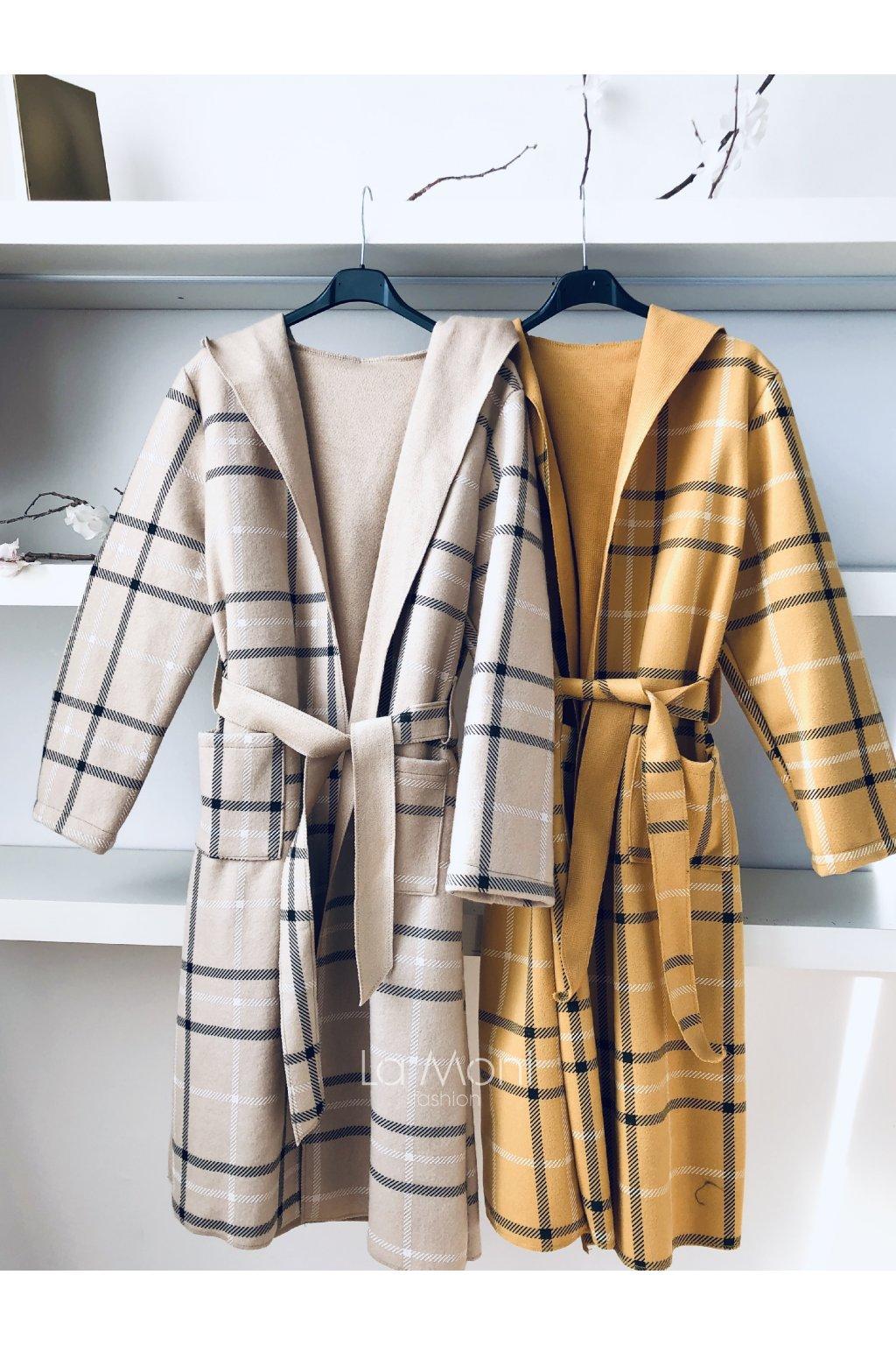 Dlouhý kostkovaný kabát s kapucí