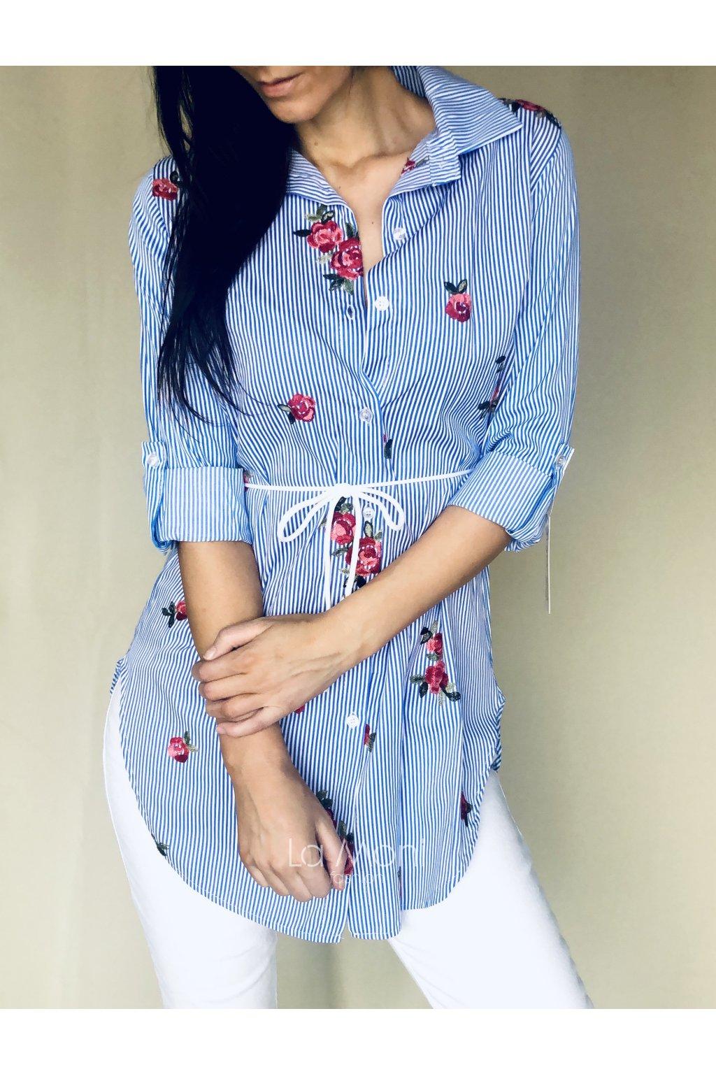 Proužkovaná  delší košile s výšivkou